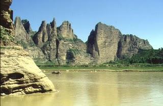 http://itasoraya.files.wordpress.com/2010/08/huang_ho_yellow_river_.jpg?w=399&h=258&h=258