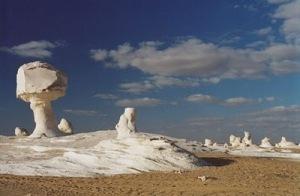 white desert 4 Inilah Keajaiban Gurun Putih Mesir Yang Eksotis