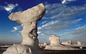 white desert 5 Inilah Keajaiban Gurun Putih Mesir Yang Eksotis